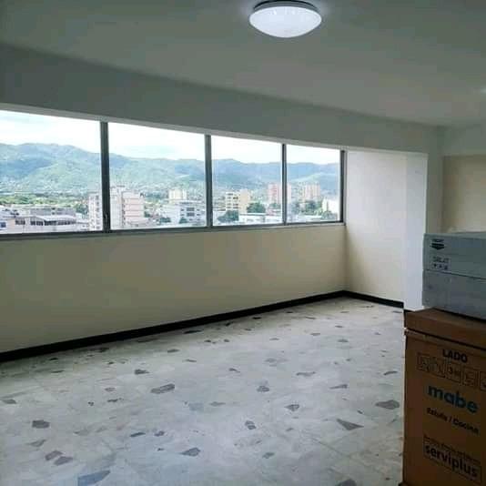 Venta Super Amplio Apartamento En Centro De Puerto La Cruz