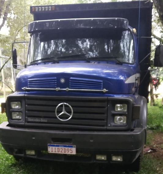 Caminhão Boiadeiro Mb1113
