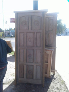 Puerta De Algarrobo Exterior Estilo Torneado De 11 Tableros