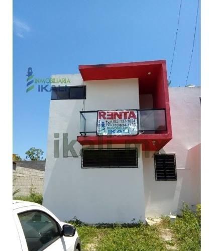 Casa Renta 2 Recamaras Col. Loma Linda Tuxpan Veracruz, En Calle 6 De La Col. Loma Linda, Casa Recién Construida, Es De Dos Pisos Cuenta Con Sala, Comedor, Cocina, 2 Habitaciones, Closets, 1 1/2 Baño