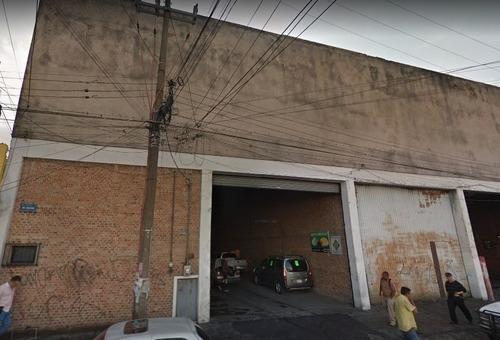 En Renta Amplia Bodega Comercial En Zona Mercado De Abastos
