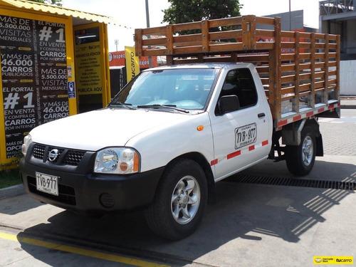 Nissan Frontier D22 4x2 Aire. Estacas