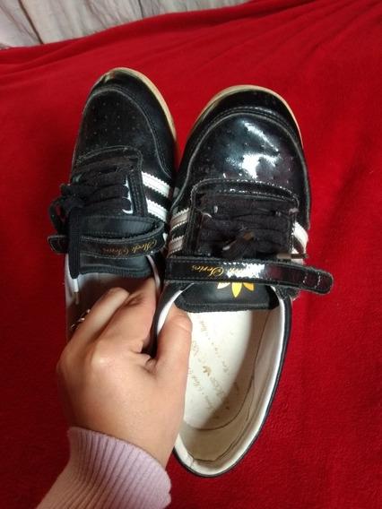Caritas, Charol, Zapatillas adidas Original
