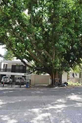 Coto De 2 Casas En Colomos Providencia
