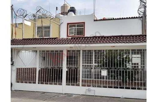 Casa En Renta En Jardines De La Cruz 2a. Sección Barcode