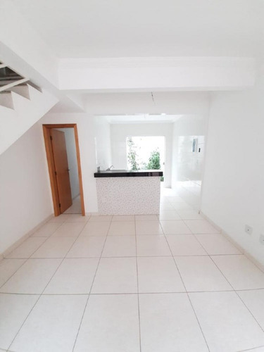 Imagem 1 de 8 de Casa Duplex À Venda, 2 Quartos, 1 Vaga, Baronesa (são Benedito) - Santa Luzia/mg - 2829
