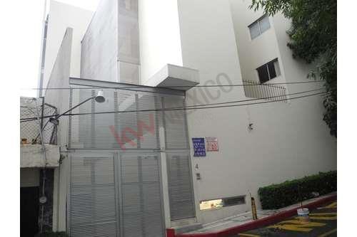Moderno Departamento, Ubicado Al Sur De La Ciudad. Cerca De Artz