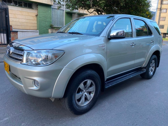 Toyota Fortuner 4x4 Full Equipo