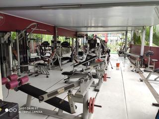 Academia Completa De Musculação . Aparelhagem Nova