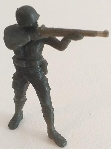 Imagen 1 de 5 de Figura Soldadito De Plastico 7cm. Con Fusil Retro Vintage