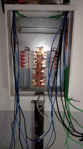 Imagem 1 de 5 de Serviços Elétrico