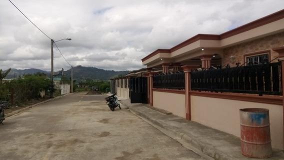 Casa En Venta Con Vista A La Montaña En Jarabacoa, Rd.