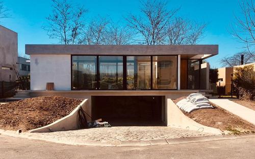 Imagen 1 de 5 de Hermosa Casa En Venta En Fincas De Hudson