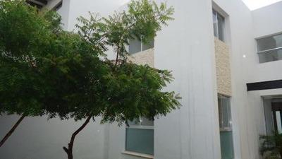 Preciosa Residencia Con Piscina En La Zona Más Exclusiva (noviembre)
