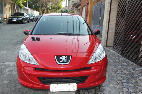 Peugeot 207 Active Única Dona