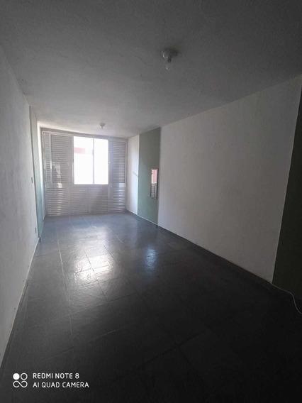 Apartamento Xiv Bis - Rua Paim 235 - Bela Vista.