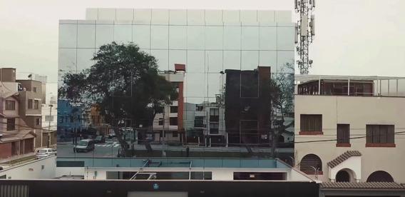 Moderno Edificio De 4 Pisos Para Oficina