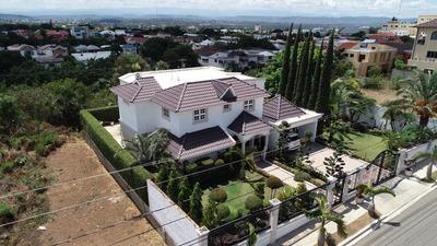 Expectacular Casa En Cerro Alto Con Mucho Terreno Y En Ofert