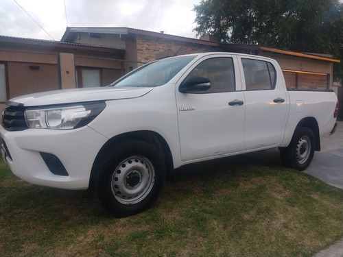 Toyota Hilux Dx 2017 Cd 2,4