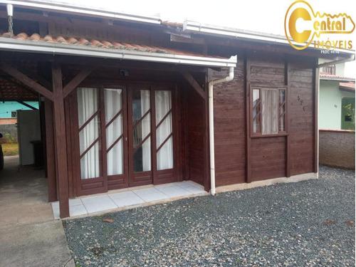 Casa  Com 2 Dormitório(s) Localizado(a) No Bairro Itacolomi Em Balneário Piçarras / Balneário Piçarras  - 656
