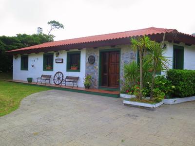 Casa 4 Dormitorios Y 2 Baños Jardín - Piscina - Tranquilidad
