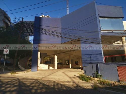 Oficinas En Renta En Residencial Santa Bárbara, San Pedro Garza García, Nuevo León