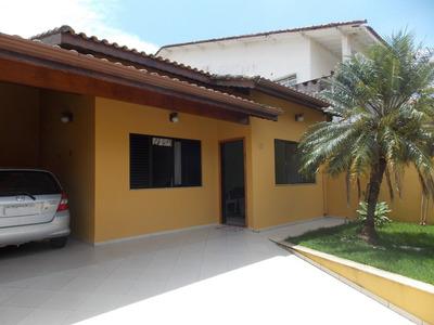 Casa No Centro De Peruíbe Para Venda Próximo Do Mar