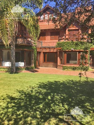 Casa En Venta En Barrio Cerrado Las Lomas Village, San Isidro