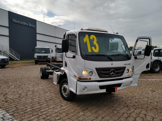 Accelo 815 - Mercedes Benz - Chassi 4x2 - 2013/2013