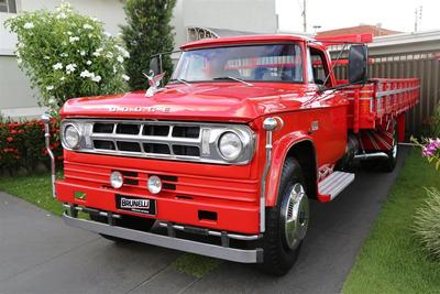 Caminhão Dodge D700 1974