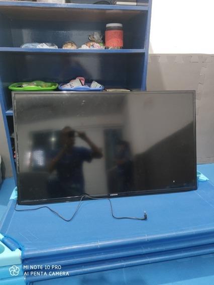 Tv Samsung 50 Polegadas ,com Defeito No Led