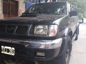 Nissan Frontier Pickup 2002