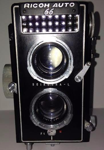Camera Ricoh Auto 66