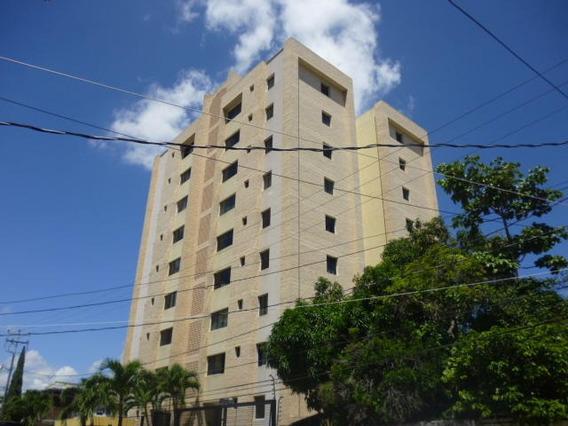 Apartamento En Alquiler Este Barquisimeto 20-21176 Jcg
