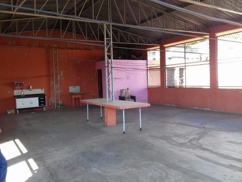 Imagem 1 de 14 de Casa Para Renda Com Salão Grande E 3 Moradias Cidade Líder