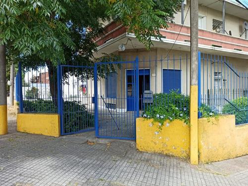 Alquilo Local Comercial Con Posibilidad De Casa En Sayago.