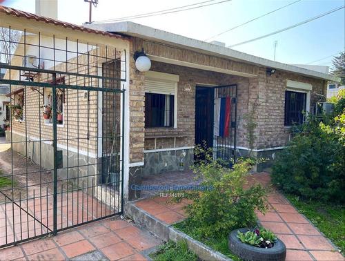 Venta De Dos Casas En Colón A Dos Cuadras De Av. Garzón