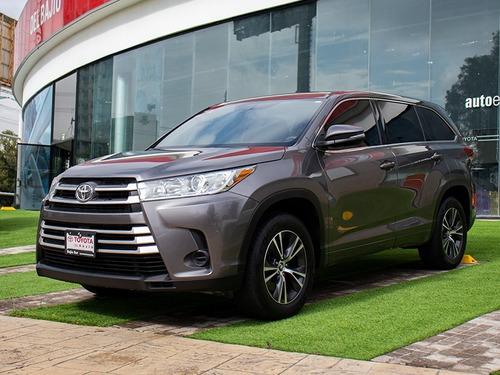 Imagen 1 de 14 de Toyota Highlander Le 2018