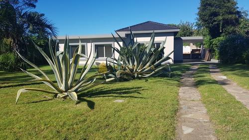 Casa En Mansa - Punta Del Este- Ref: 4525