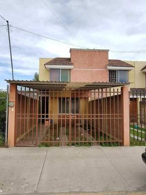 Casa En Venta En Lomas De Castillotla, Puebla.