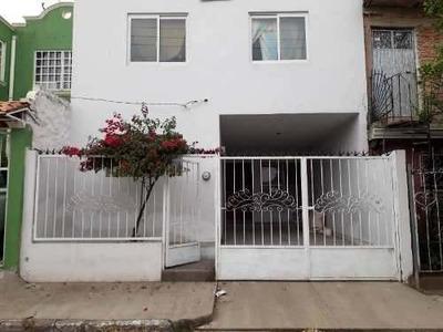 Casa Venta En Muy Buen Estado En La Colonia Arenales Tapatío
