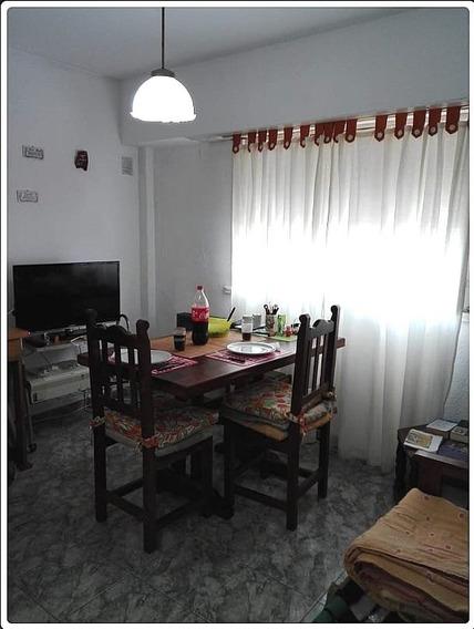 Ph 2 Amb.excelente Ubicación Centro Comercial Z/ San Juan Y Frech U$s 50.000.- Escucha Oferta!!!!!