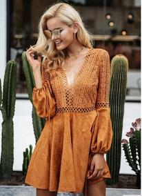 Vestido Camurça Manga Longa Renda Decote Costas