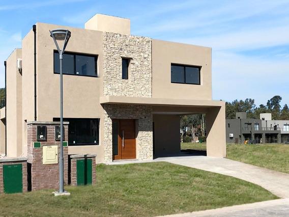Casa En Venta 4 Ambientes En Maria Eugenia Residences And Village