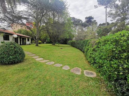 Casa En Alquiler Anual  - Punta Del Este
