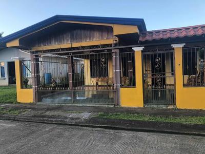 Casa Bonita Ubicada En Portal San Carlos