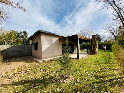 Casa En Roldan Con Patio, Pileta Y Excelente Forestacion