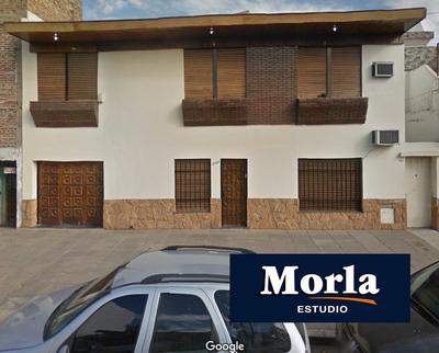 Casa De 4 Ambientes Y Cochera En Lomas Del Mirador