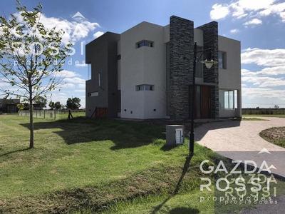 Excelente Casa Moderna A Estrenar En Santa Rita, San Vicente