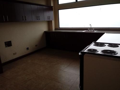Imagen 1 de 7 de Apartamento En Renta En Zona 10 Muy Ceca De Centro Medico